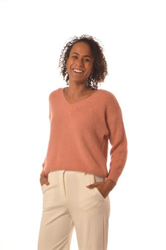 BONITA AVE Amber/old rose v-neck knit