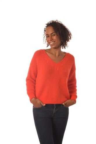 BONITA AVE Bright orange v-neck knit