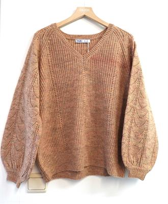 MDM Peach v-neck knit