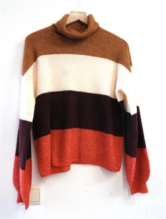 YAS Multi color turtle neck knit